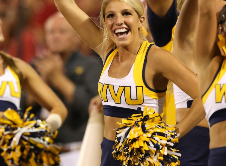 west-virginia-mountaineers-cheerleader