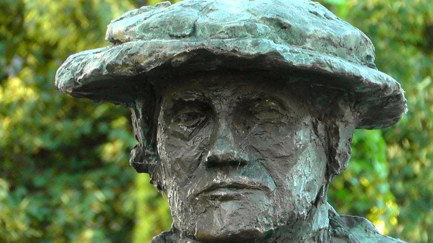 head-portrait-melancholic-monument-67605-large